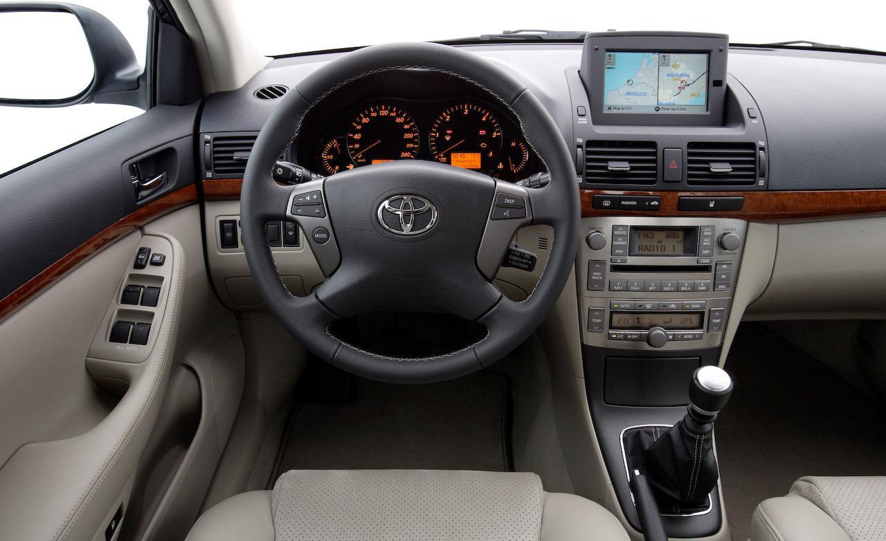 Toyota Авенсис 2007