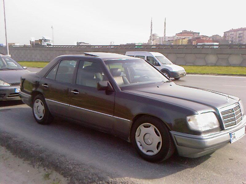 501930 together with Mercedes C180 Amg Oto Cam Filmi Uygulamasi 73 further W205 Mercedes Benz C300 Amg Line Malaysia 058 moreover Confirmed Baby G Wagen New Glb Will Share Renault Technology furthermore Review. on c180 amg