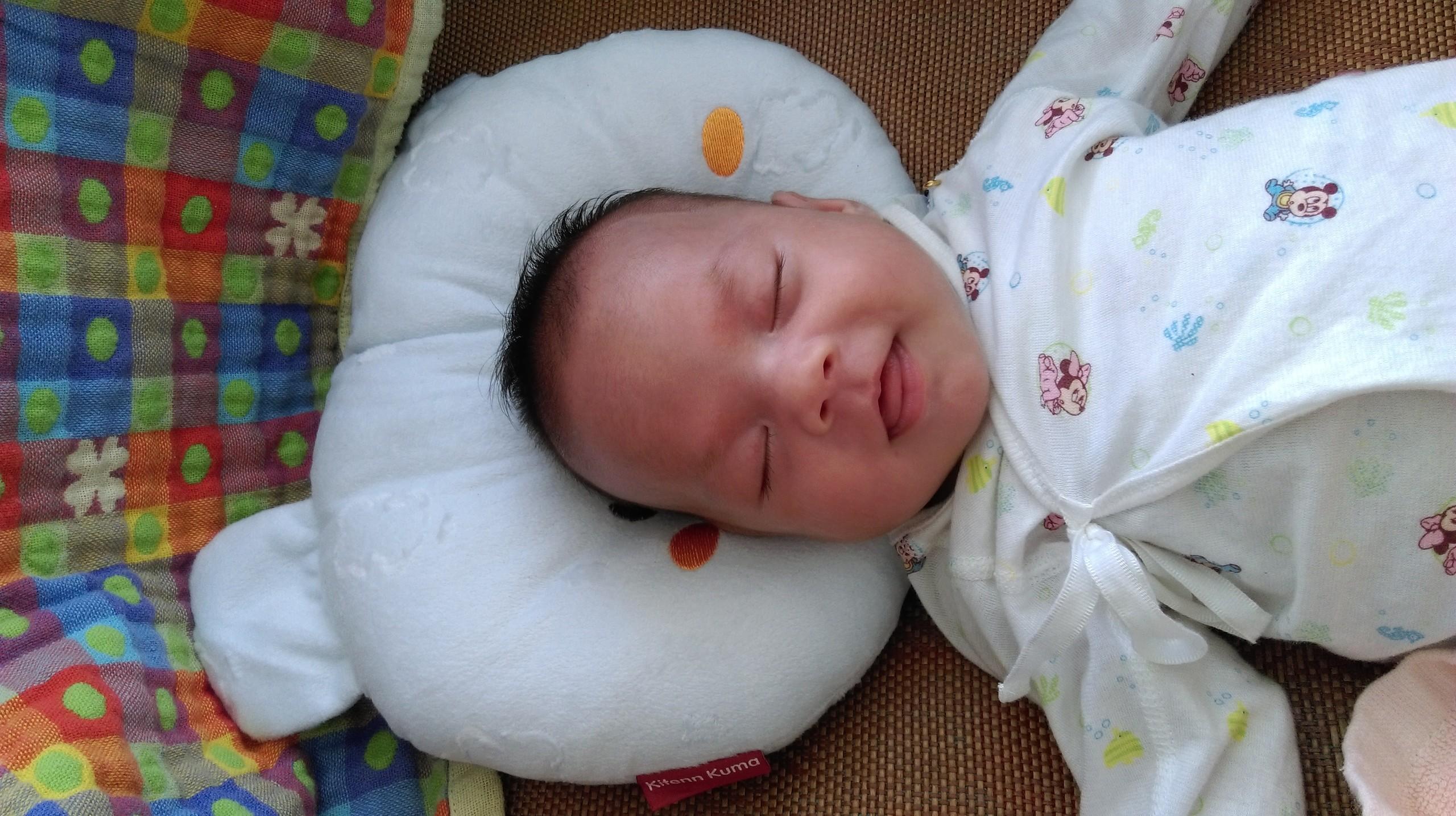 Neden bir bebek ağlıyor Bir bebek bir r&#252