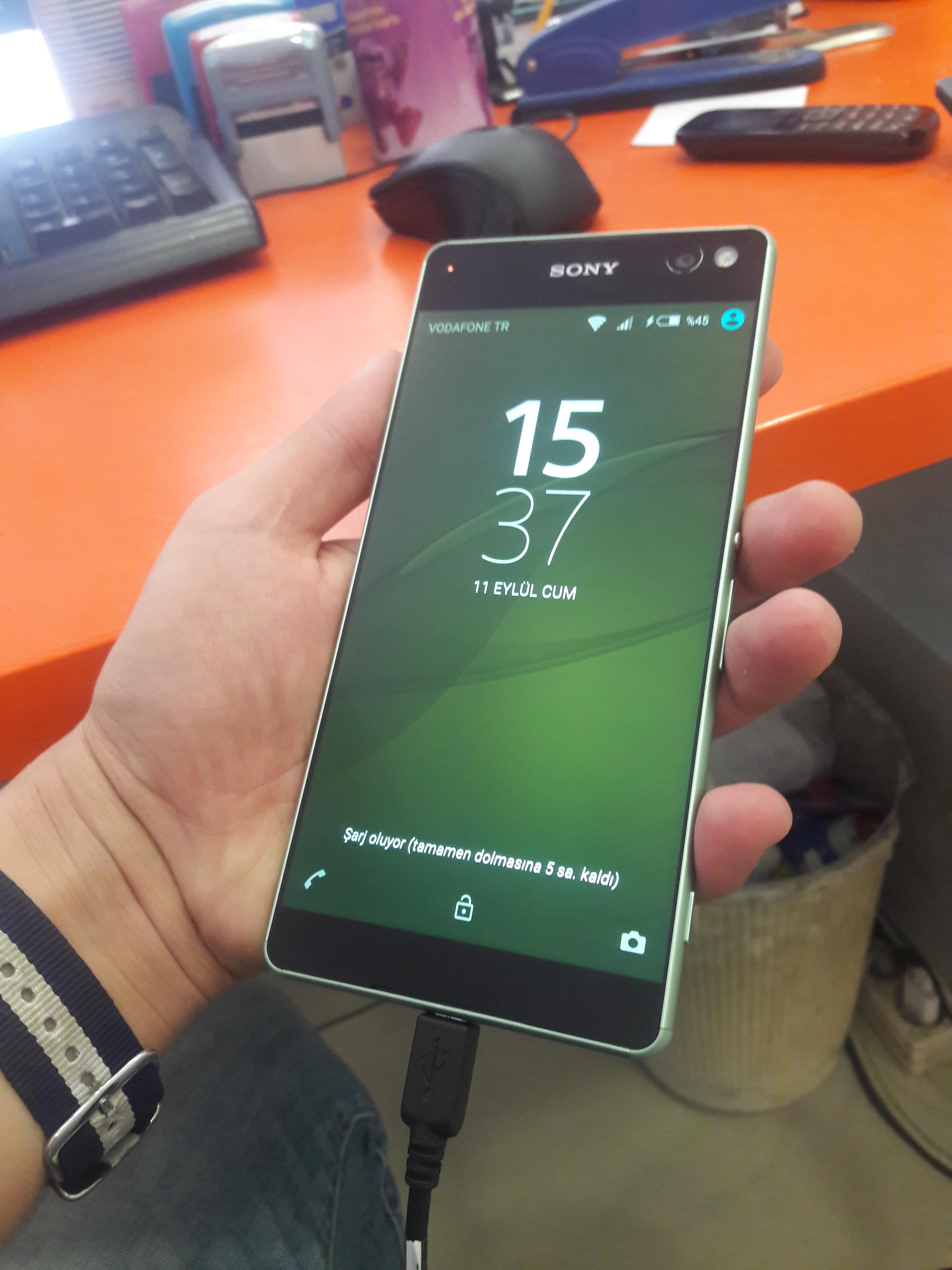 Sony Xperia Z2 Ana Konu